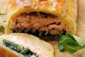 Strudel di salmone agli spinaci e pomodori secchi