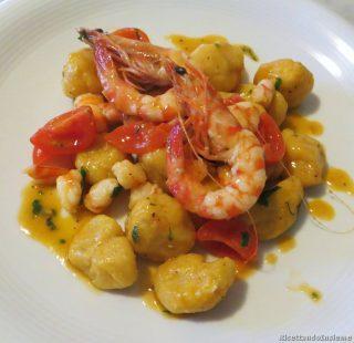 gnocchi_di_zucca_patate_e_curry_e_gamberi-1