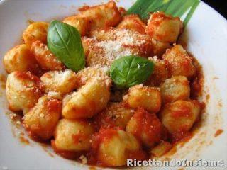 la-ricetta-degli-gnocchi-di-pane_416667